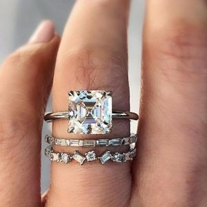 5.62 cwt White Sapphire Ring